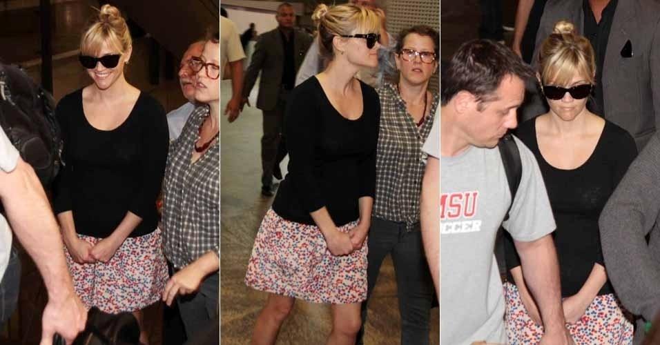 Quinta-feira (8/3) - Reese Witherspoon desembarca no Brasil para divulgar o filme 'Guerra é Guerra', que estreia no Brasil dia 16 de março. Sorridente, a atriz chegou nesta quinta-feira no Aeroporto Internacional de Guarulhos, em São Paulo e depois seguiu para o Rio de Janeiro.
