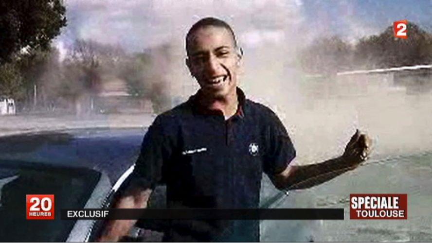 Quinta-feira (22/3) - O islamita Mohammed Merah, autor de sete assassinatos em oito dias, morto nesta quinta-feira em Toulouse, França, durante uma operação da polícia de elite desse país (Riad), estava incluído em uma lista negra de pessoas que estavam proibidas de entrar nos Estados Unidos, disse um funcionário da inteligência à AFP. Merah, que confessou o assassinato de três militares e de quatro membros da comunidade judaica na França, estava 'há algum tempo' na lista negra de suspeitos de terrorismo feita pelos Estados Unidos, informou uma fonte que pediu para não ser identificada.
