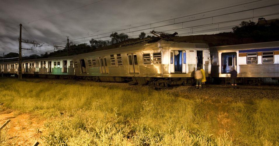 Sexta-feira (27/1) - Acidente envolvendo dois trens da CPTM em Itapevi, na Grande São Paulo, deixou sete pessoas feridas. As vítimas foram encaminhadas para um pronto-socorro da região.